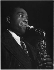 charlie parker playing the alto saxophone